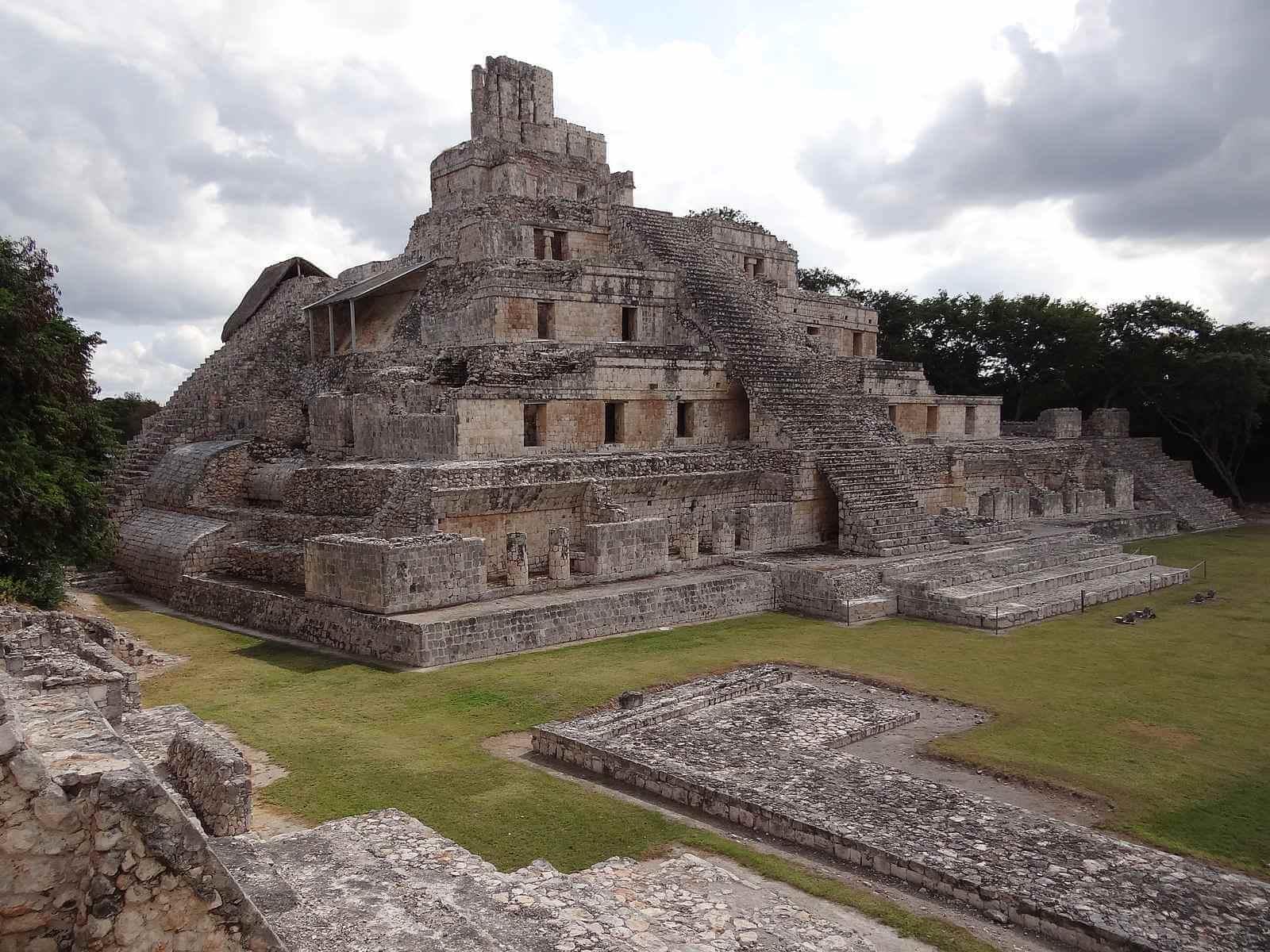 Campeche bezienswaardigheden: Edzná Mayatempels