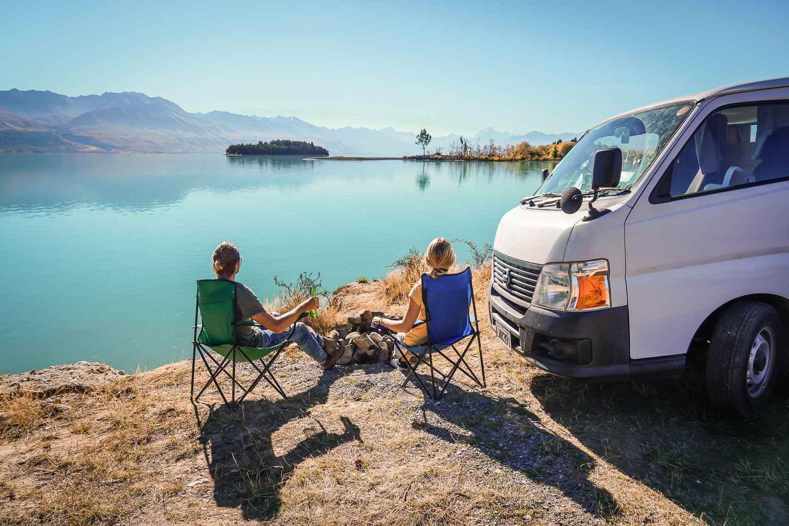 Met een camper kun je overal gaan en staan waar je wilt en parkeren op de mooiste plekken.