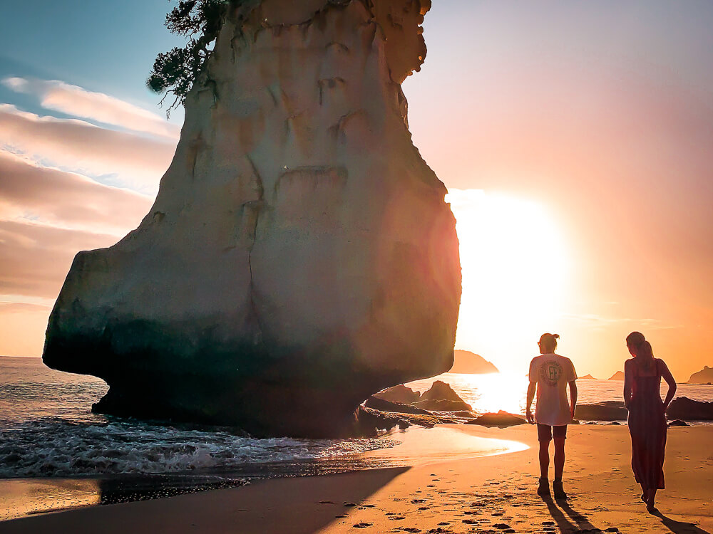 Cathedral Cove - Een schilderachtig mooi wit strand