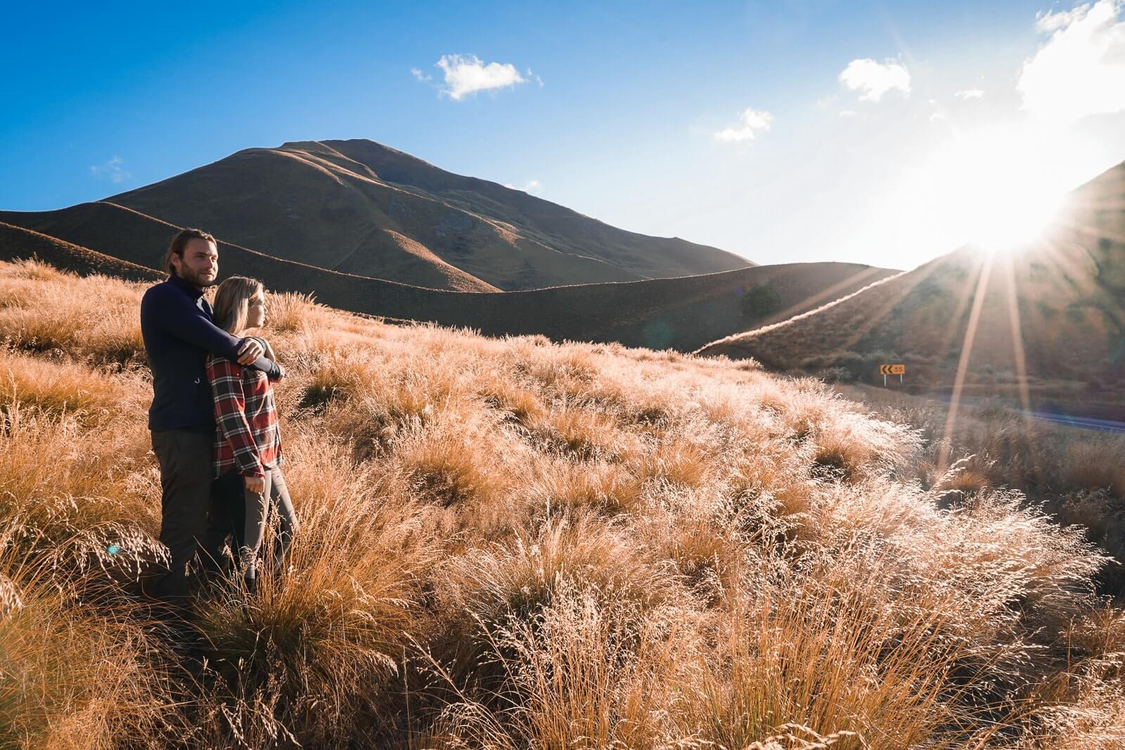 Lindiss Pass - Mooie weg door glooiend berglandschap