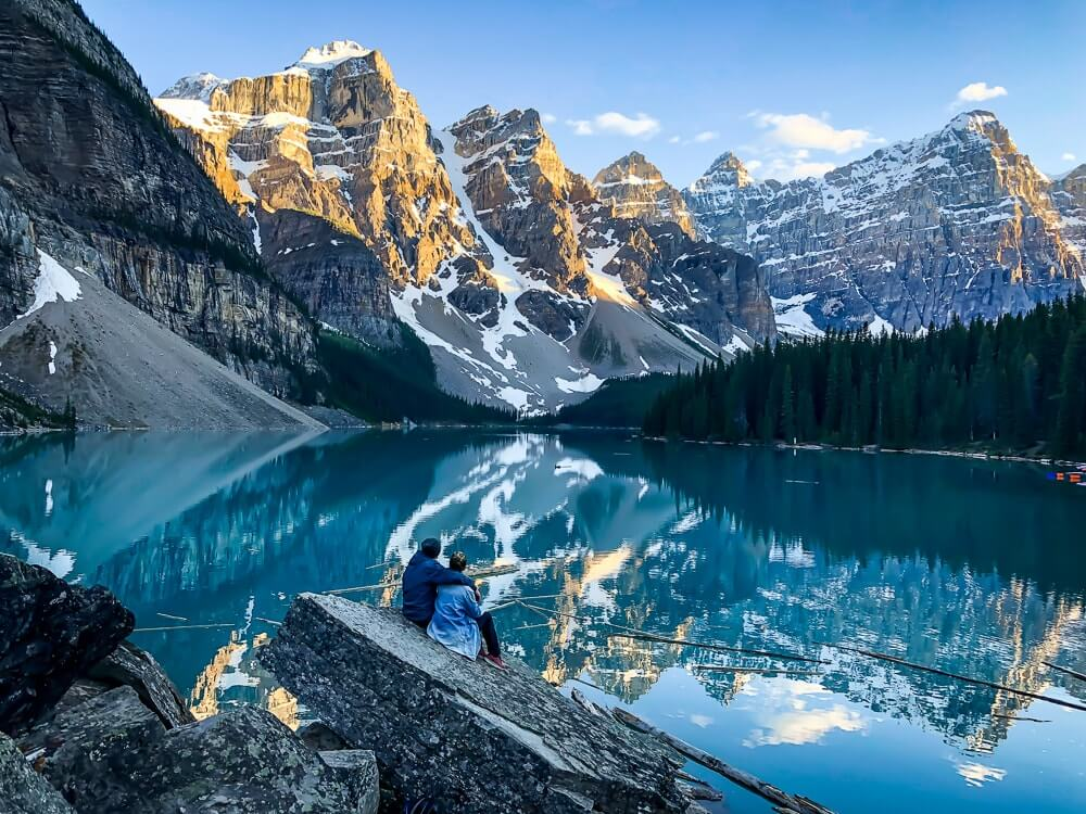 Moraine Lake - Adembenemend azuurblauw gekleurd gletsjermeer