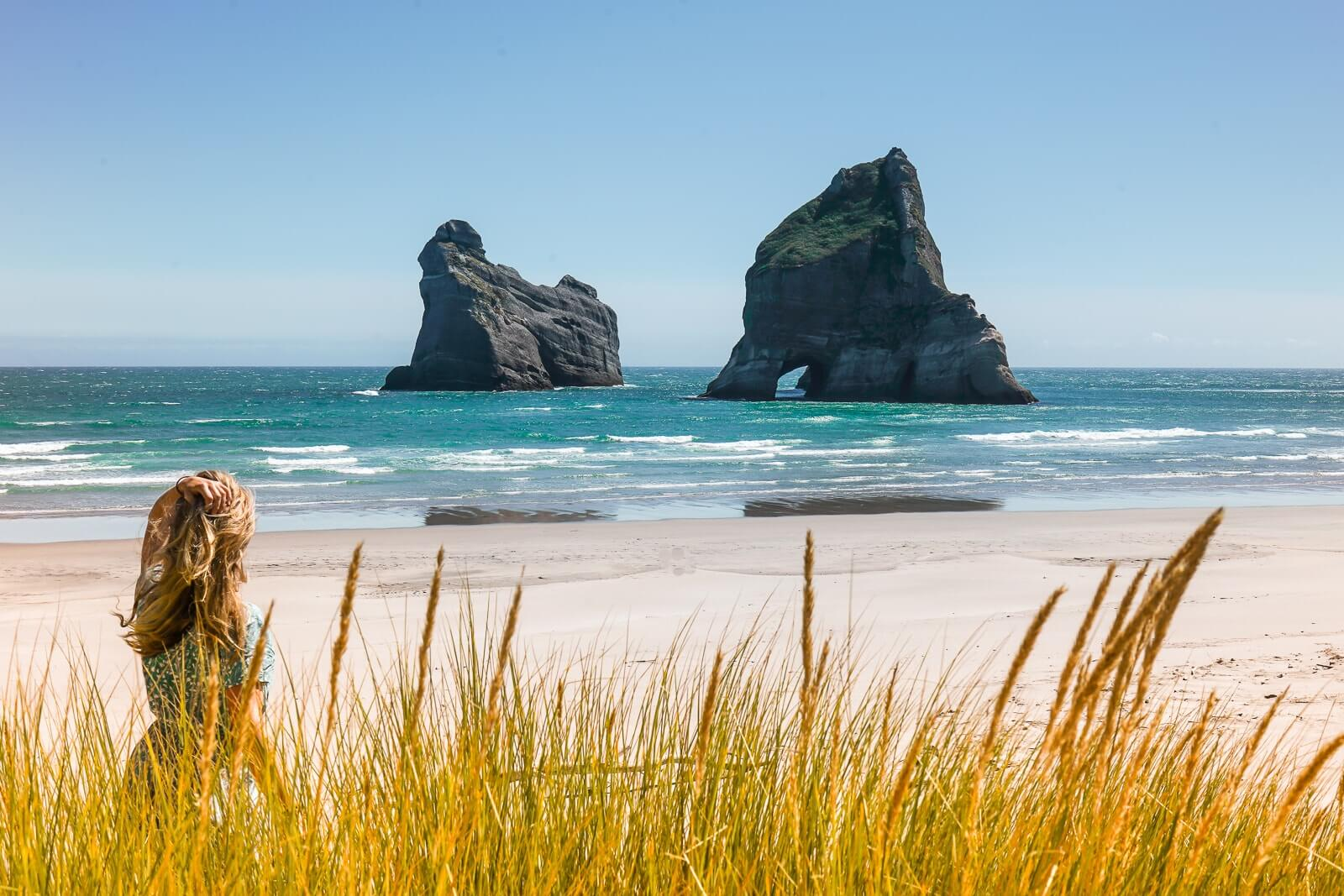 Wharariki Beach - Ruig en afgelegen strand waar je zeehonden kunt spotten