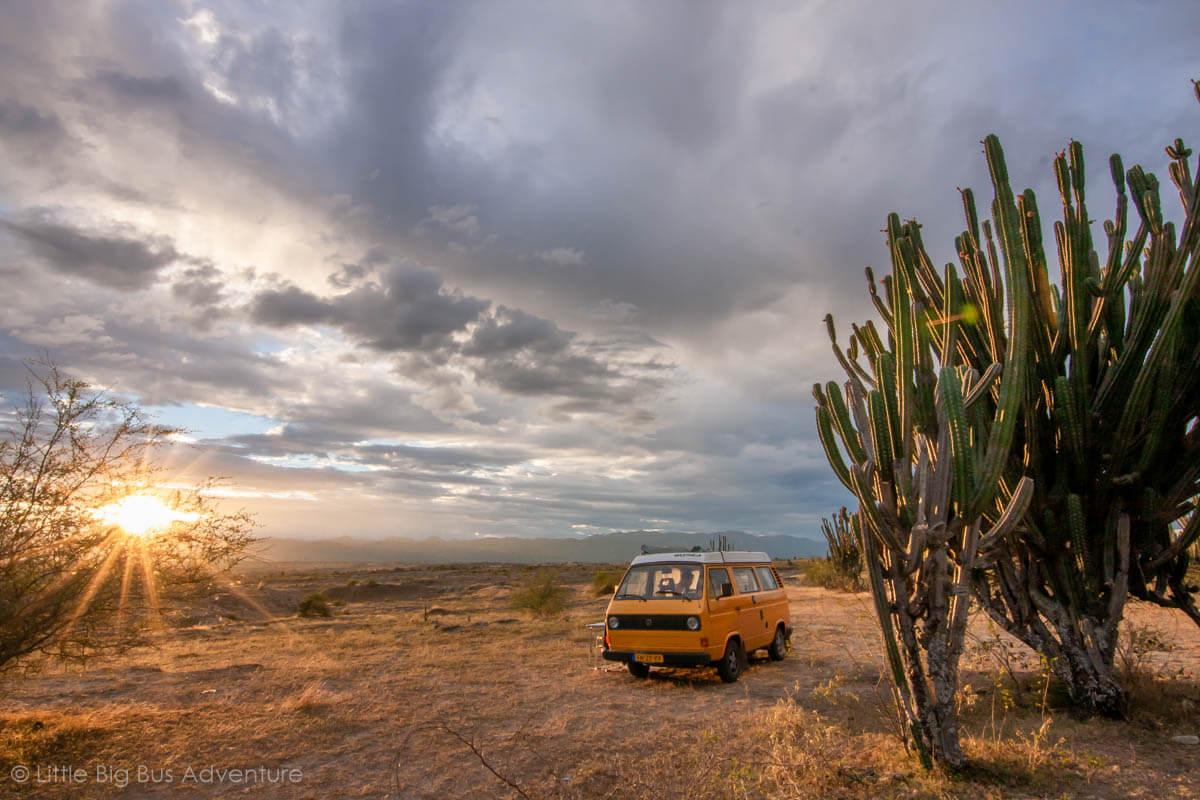 Vanlife inspiratie - Littlebigbusadventure kamperen in Zuid-Amerika