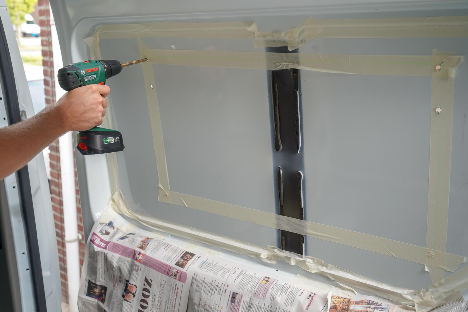 Camper ramen inbouwen - gaten boren